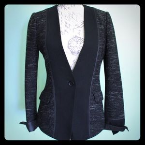Comfortable EUC tweed blazer Xs BCBG